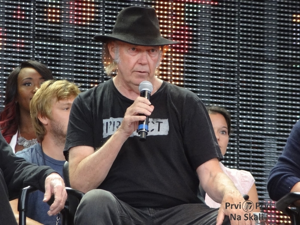 Neil Young Slams Obama, Bayer, Says F'ck Monsanto! (VIDEO)